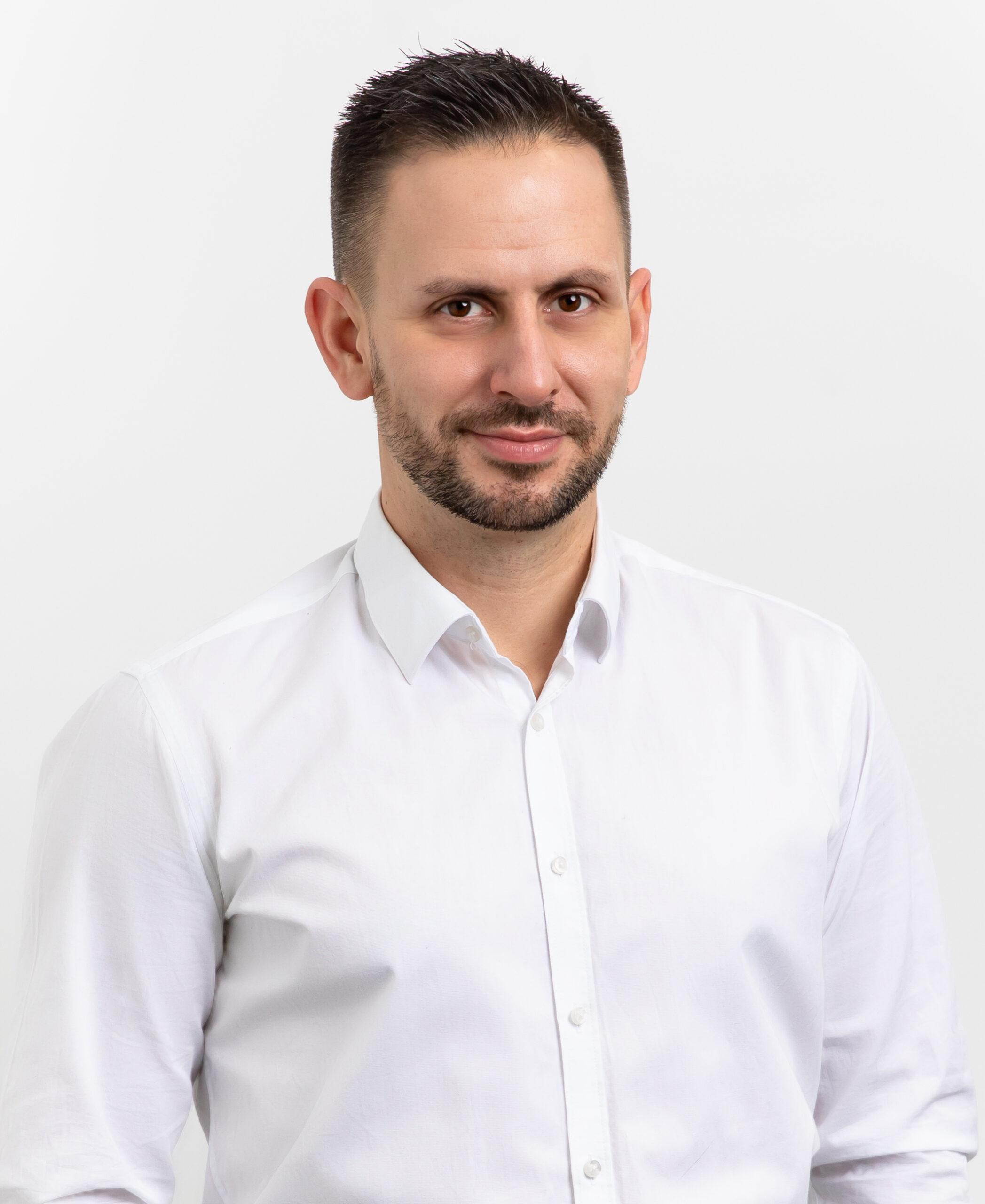 Piotr Burszewski profil